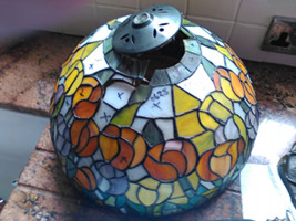 Vase cap ripped out stained glass Tiffany Lamp